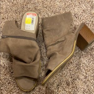 Ankle open toe boots